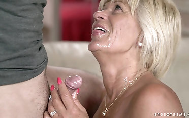 Matured Diane Sheperd finally gets to mime a delicious dick