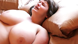 Hairy Aussie nigh big tits loves masturbating nigh her vibrating egg