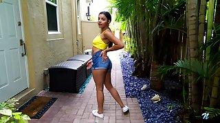 Zealous tanned Latina sweetie Ella Cruz is fond of masturbating in default