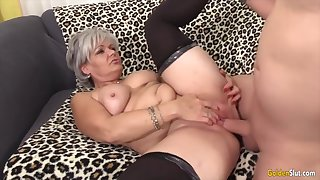 Sexy old woman taking hard dicks back their mature pussy and enjoy getting fucked willing
