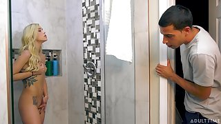 Young Kali Roses receives a shocking surprise in the shower