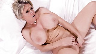 Mature nigh chunky tits, endless porn coupled with utter orgasms