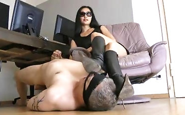 Scorching dominatrix makes her victim kinky with her high-heeled slippers domination & submission