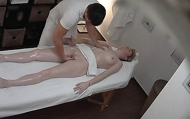 Beautiful Young Skirt Spreding her Lengs in the first place Massage Table