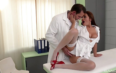 Doctor fucking and creaming Dominica Phoenix's pussy after be transferred to action