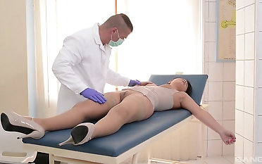 Putrefied doctor likes it rough with his pure hotness Lana Ivans